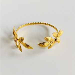 24kg Plated Nature Inspired Butterfly Leaf Cuff